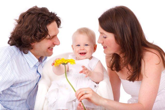 家族を幸せにするにはお金が必要?