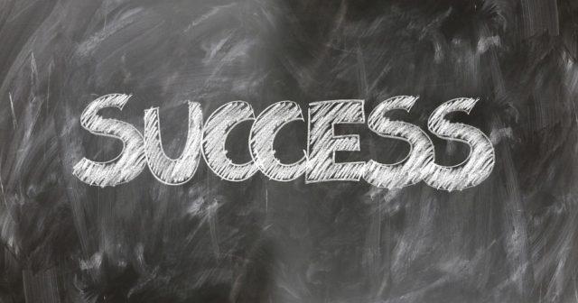 自己投資するのが成功者への近道?
