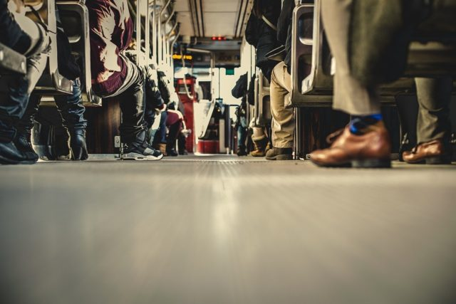 通勤時間は人生の無駄な時間?