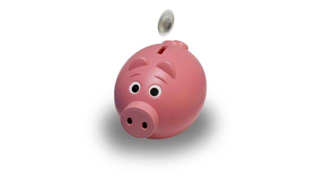 家族4人の生活費の平均額はいくら?